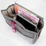 mDesign sac de chevet à accrocher – poche de lit spacieuse en coton – avec 3 poches – sac de rangement pratique pour la bouteille d'eau, télécommande, tablette, montre ou autres – gris foncé de la marque MetroDecor image 3 produit
